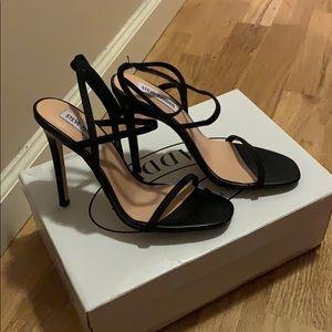Black straps heeled sandals